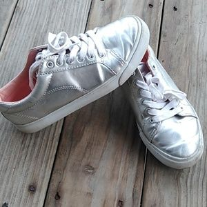 Girl's Silver Metallic Shoes